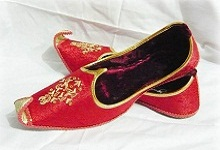 Mughal_footwear_1