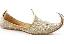 Mughal_footwear_3